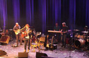 Konsert på scenen i Modum Kulturhus